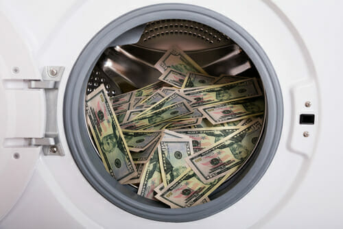 Saudi, UAE, crack down on money laundering gangs and officials