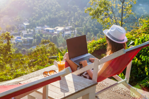 What are some favorite destinations in the Arab world for digital nomads?